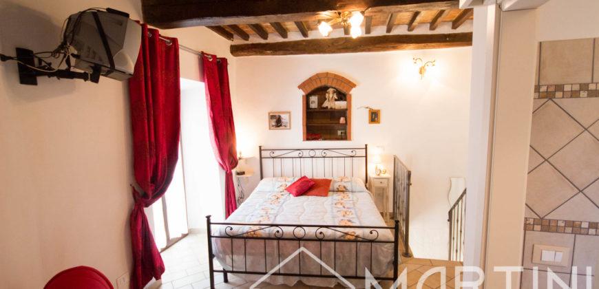 Bilocale Ristrutturato in Antico Borgo Medievale