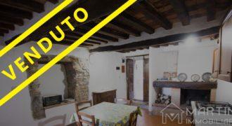 Casa in Pietra con 2 Camere in Vicolo Medievale