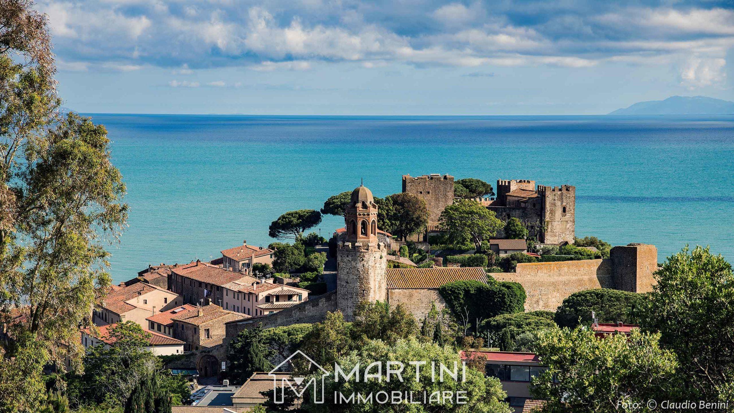 Castiglione della Pescaia: castello etrusco sul mare