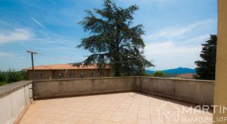 Casa in Vendita con Giardino e Garage in Toscana