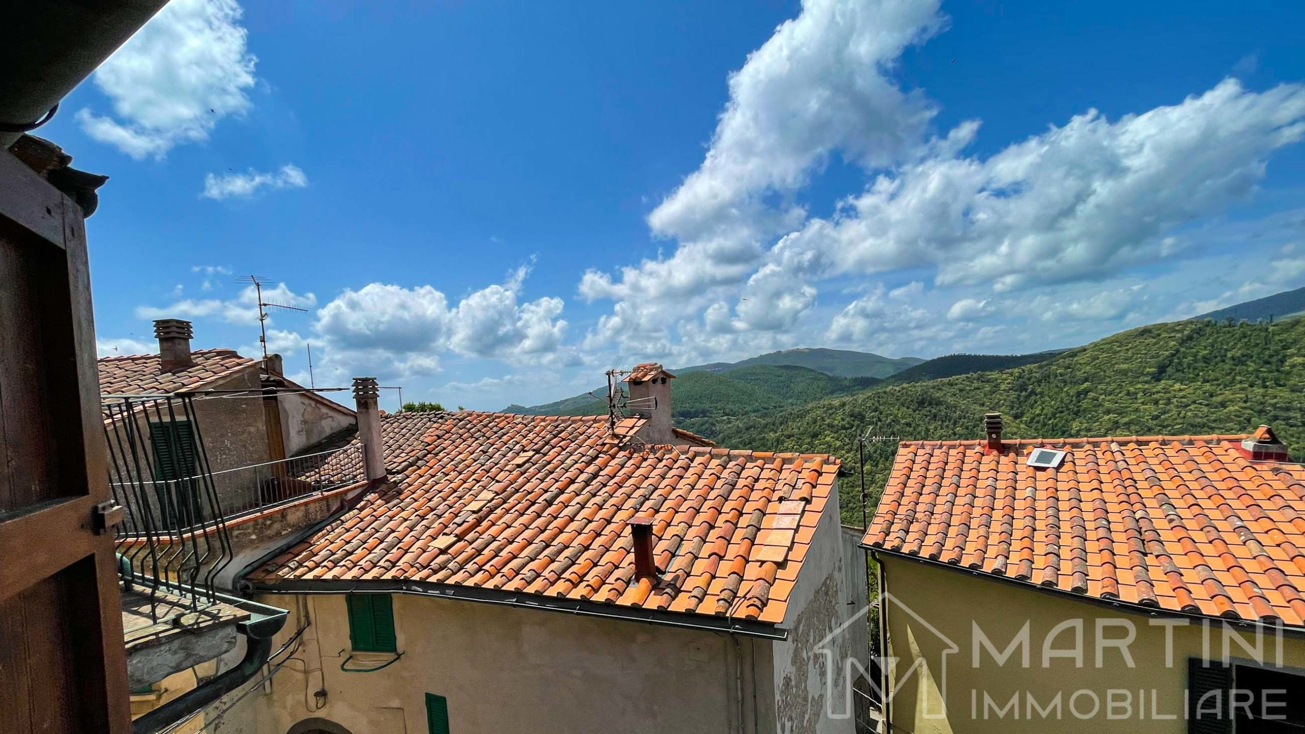 Semi Detached House For Sale in Tuscany