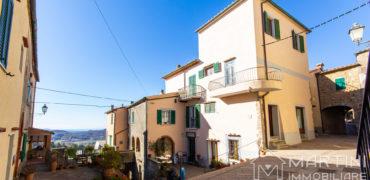 Casa con Balcone e Stupenda Vista Panoramica