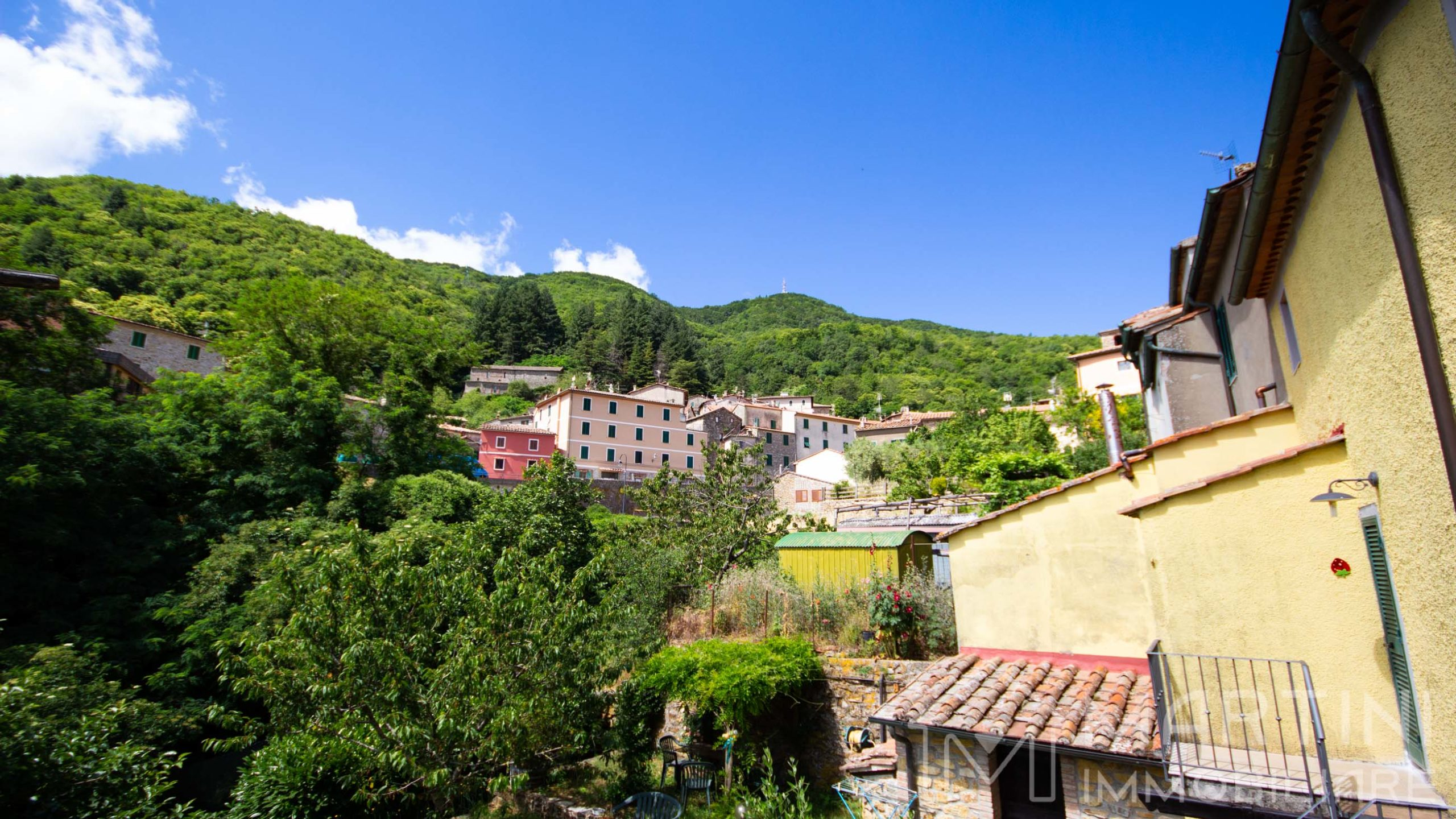 House with Garden for Sale in Montieri – Tuscany